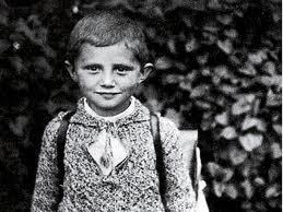 O menino Joseph Ratzinger, futuro Papa Bento XVI