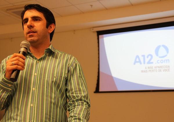 Padre Evaldo César de Souza, diretor executivo do Portal A12.com fala sobre comunicação