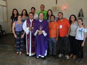 Equipe do Setor Juventude com arcebispo de Montes Claros