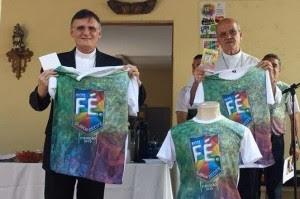 Dom Antônio Tourinho e dom Fernando Saburido foram contemplados com o troféu Amigos da Juventude