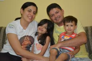 Suzana Raquel, Raimundo Pedro e seus filhos  Samara e Samuel.
