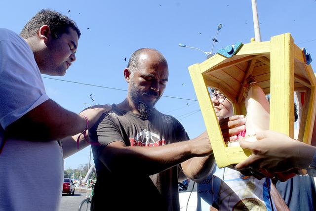 Jovens missionários ns feira Ver-o-Peso.