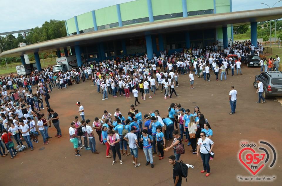 Juventude animada para a celebração da JDJ em Mato Grosso do Sul