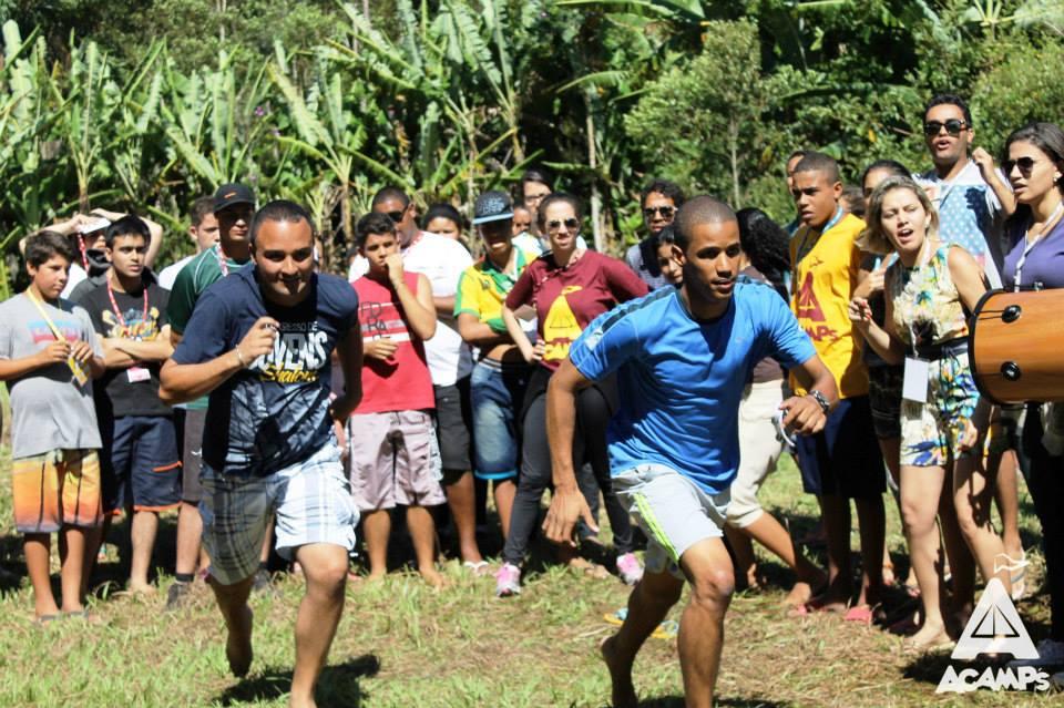 Jovens em atividade durante o Acamp's 2015. Foto: Comunidade Católica Shalom.