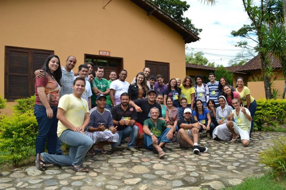 Jovens do projeto Espalhando Esperança na Fazenda da Esperança